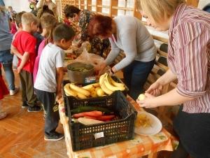 Kisgyermekes családok részére egészséges táplálkozást bemutató program - Nagydobsza - 2019.04.16. #9