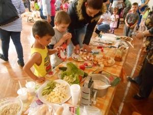 Kisgyermekes családok részére egészséges táplálkozást bemutató program - Nagydobsza - 2019.04.16. #6